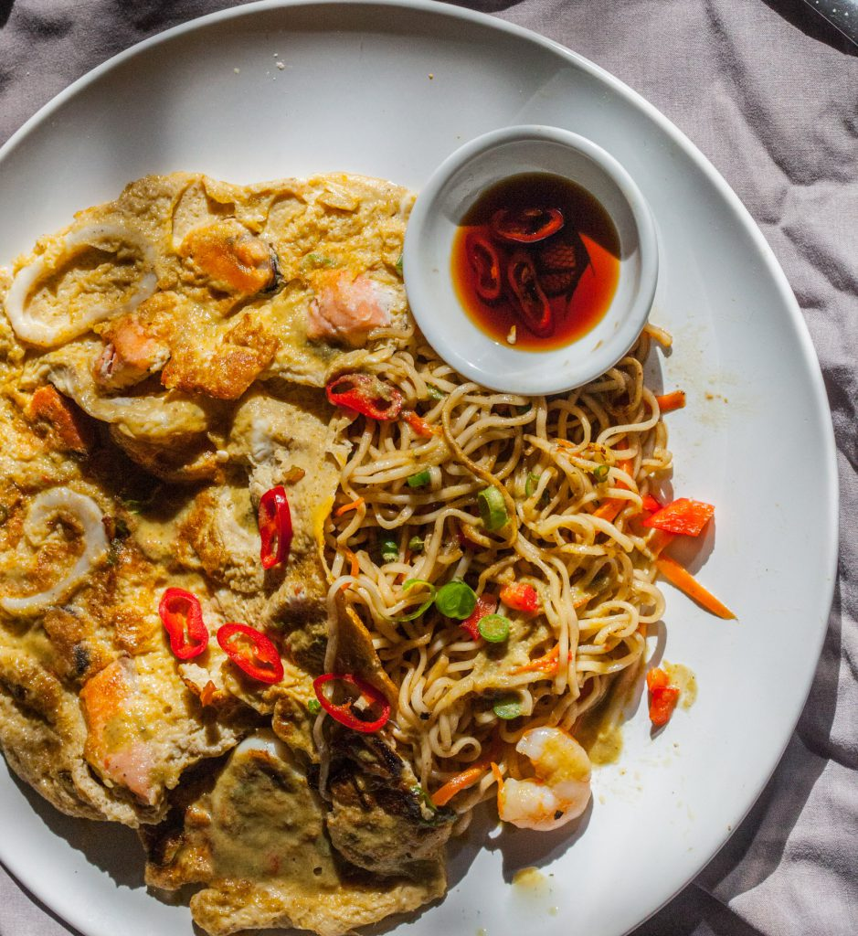 Stir Fried Noodles with Green Curry Omelette